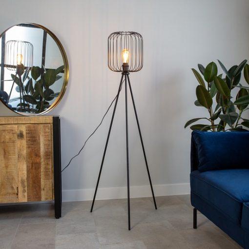 Stoere vloerlamp driepoot