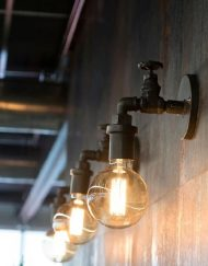 Industriële wandlamp kraan zwart