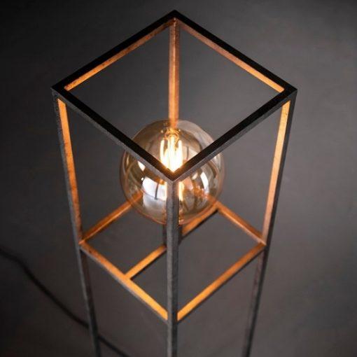 Staande lamp industrieel vierkant metaal