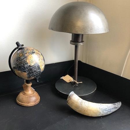 Industriele tafellamp metaal rond bureau