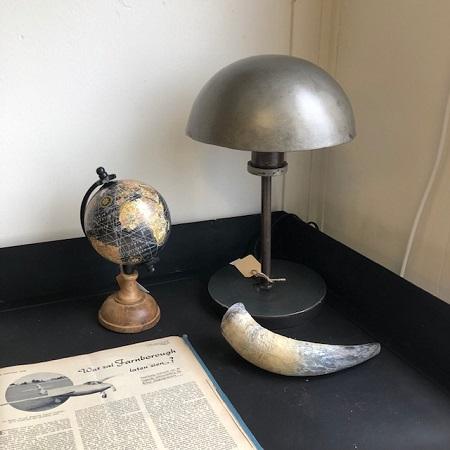 Industriele tafellamp metaal rond kap