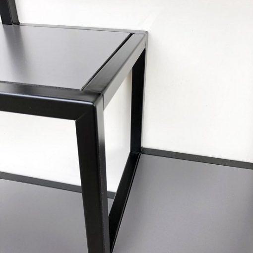 Metalen wandrek zwart stoer grijs