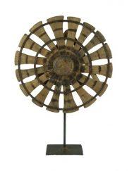 Houten ornament spinnewiel op voet