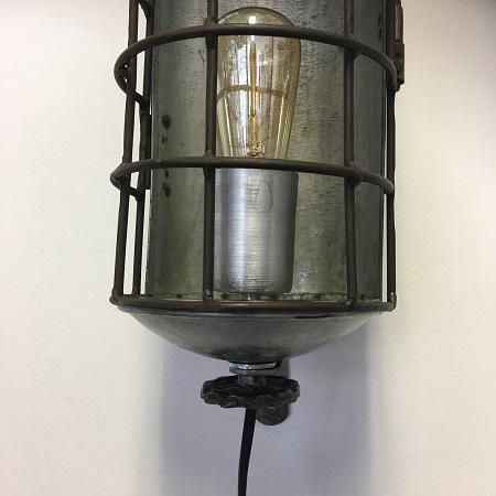 Industriele wandlamp metaal vintage kap