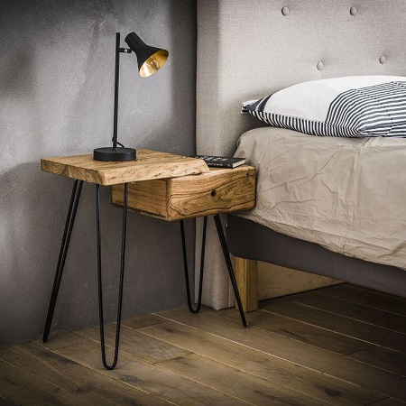 Nachtkastje hout boomstam V poot detail