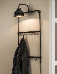 Industriële kapstok met lamp stoer