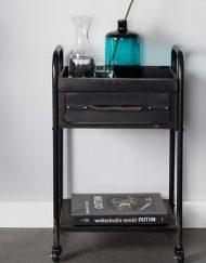 Stoere zwarte trolley vintage industrieel
