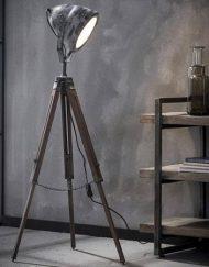 Grijze industriële vloerlamp houten statief
