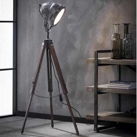 Grijze industriële vloerlamp houten statief verstelbaar