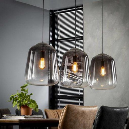 Hanglamp glazen stolp eetkamer sfeer