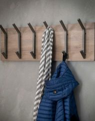 Kapstok hout industrieel interieur