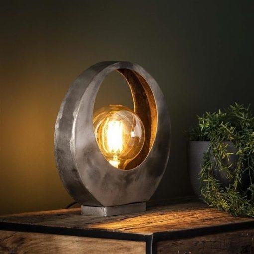 Tafellamp trendy industrieel interieur sfeer