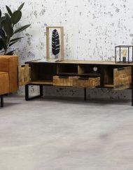 Tv meubel Industriëlen look interieur