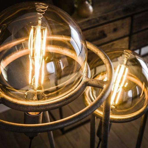 Vloerlamp industrieel sfeervolle licht