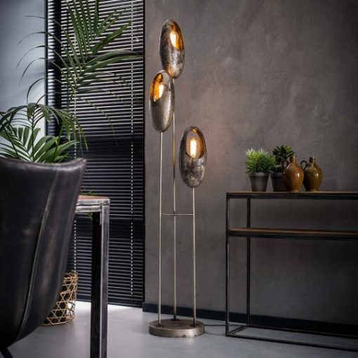 Vloerlamp drie metalen kappen