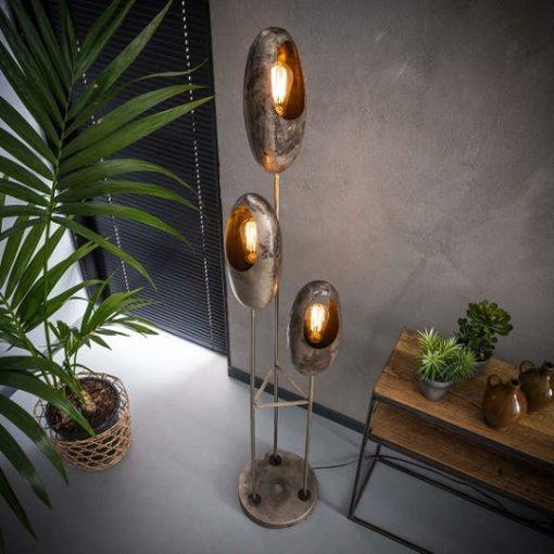 Vloerlamp drie metalen kappen industrieel