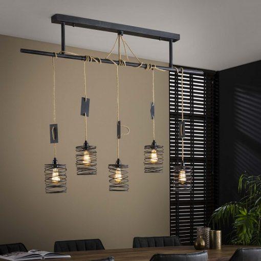 Hanglamp vijf industriëlen kappen