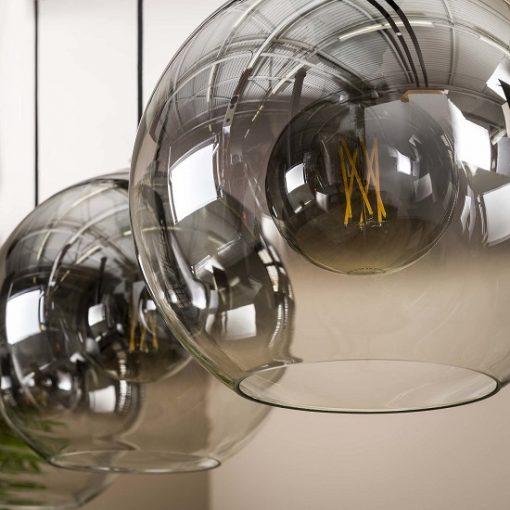 industriële drie glazen bollen sfeervol